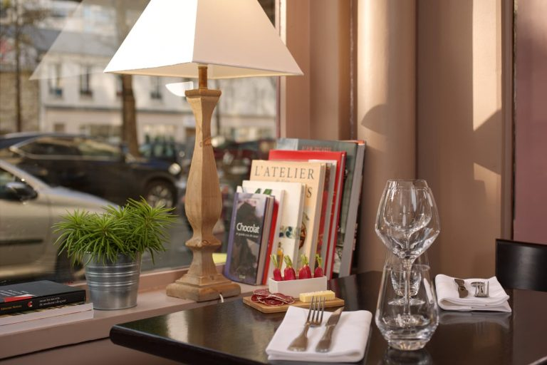 Découvrez le charme du restaurant bistronomique Le Radis Beurre dans le 15e arrondissement de Paris.