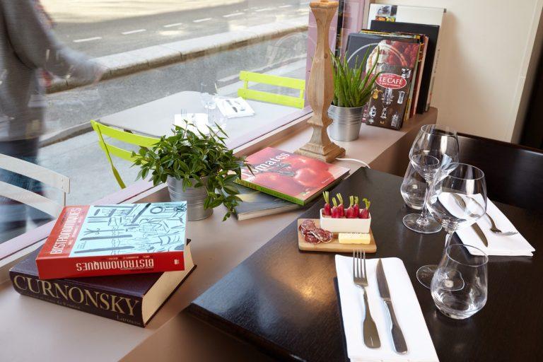 Bienvenue au Radis Beurre, restaurant bistronomique près de la Tour Eiffel.